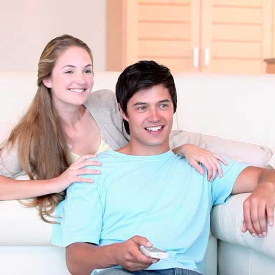 194191946 distance watching tv boyfriend girlfriend Как заставить мужчину жить вместе
