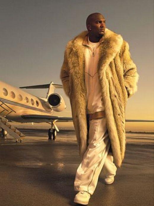 Джеймаркус Расселл 1 «На спорте» или почему шубы с кроссовками – символ модного помешательства?