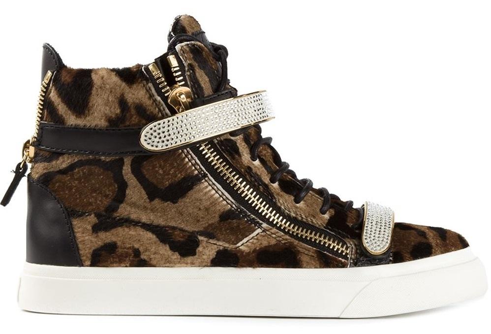 Кеды Giuseppe Zanotti 60 000 руб.2 «На спорте» или почему шубы с кроссовками – символ модного помешательства?