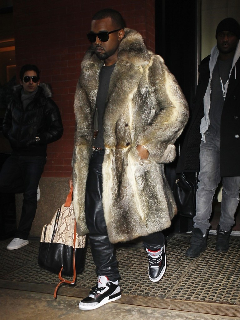 FP 6439172 West Kanye CJNY 04 09 124 769x1024 «На спорте» или почему шубы с кроссовками – символ модного помешательства?