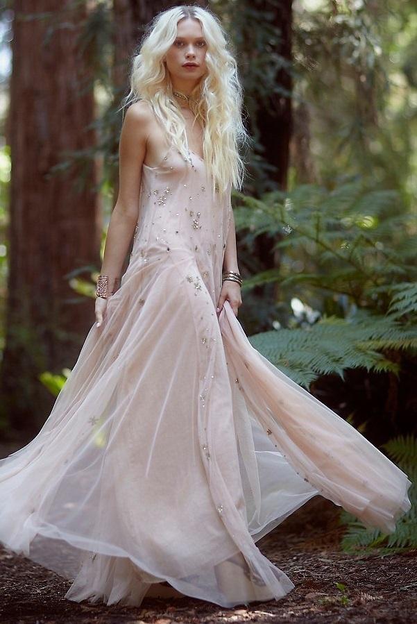 Свадебное платье Free People1 Свадебные платья для хулиганок, которые оценила бы Анджелина Джоли