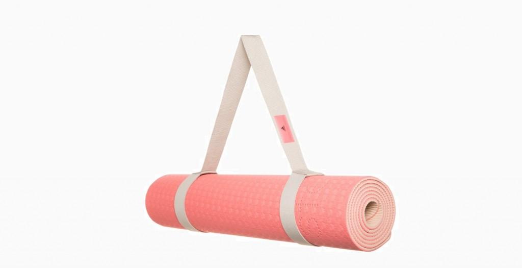 Коврик для йоги Adidas by Stella McCartney (1 690 руб.)