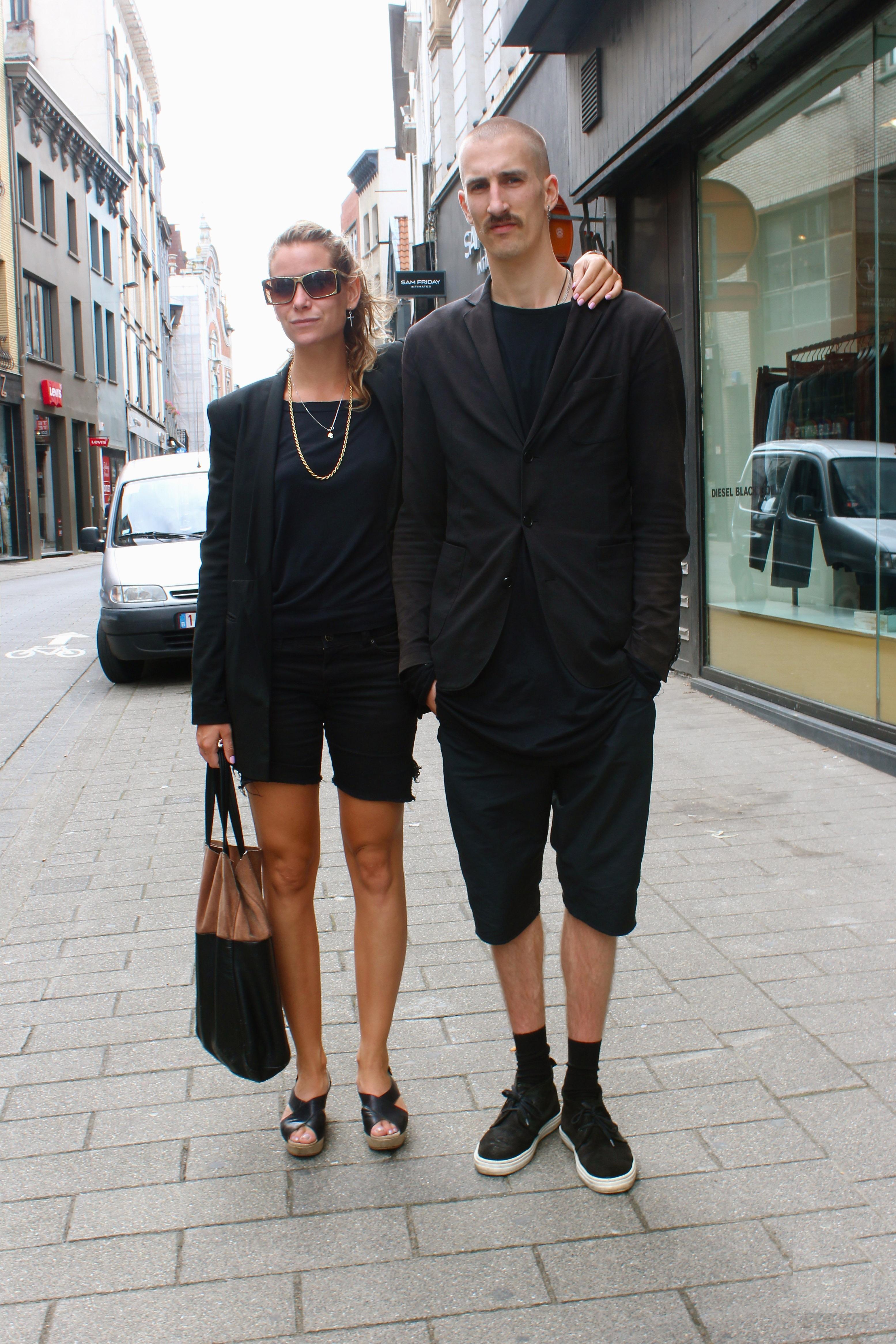 couple in black Каблуки в топку! Как меняется ваш гардероб, если вы больше не одиноки