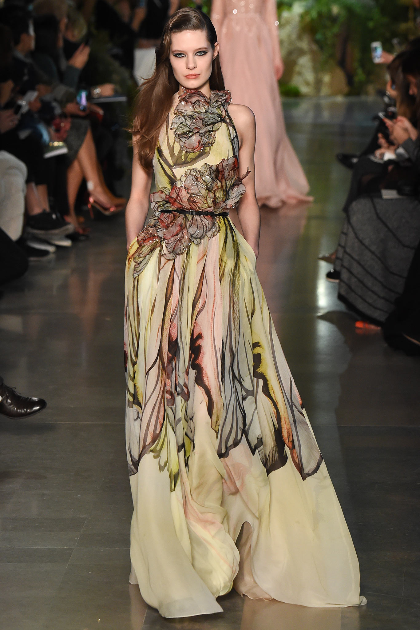 Elie Saab Haute Couture 2015 Самые носибельные образы с Недели моды haute couture в Париже