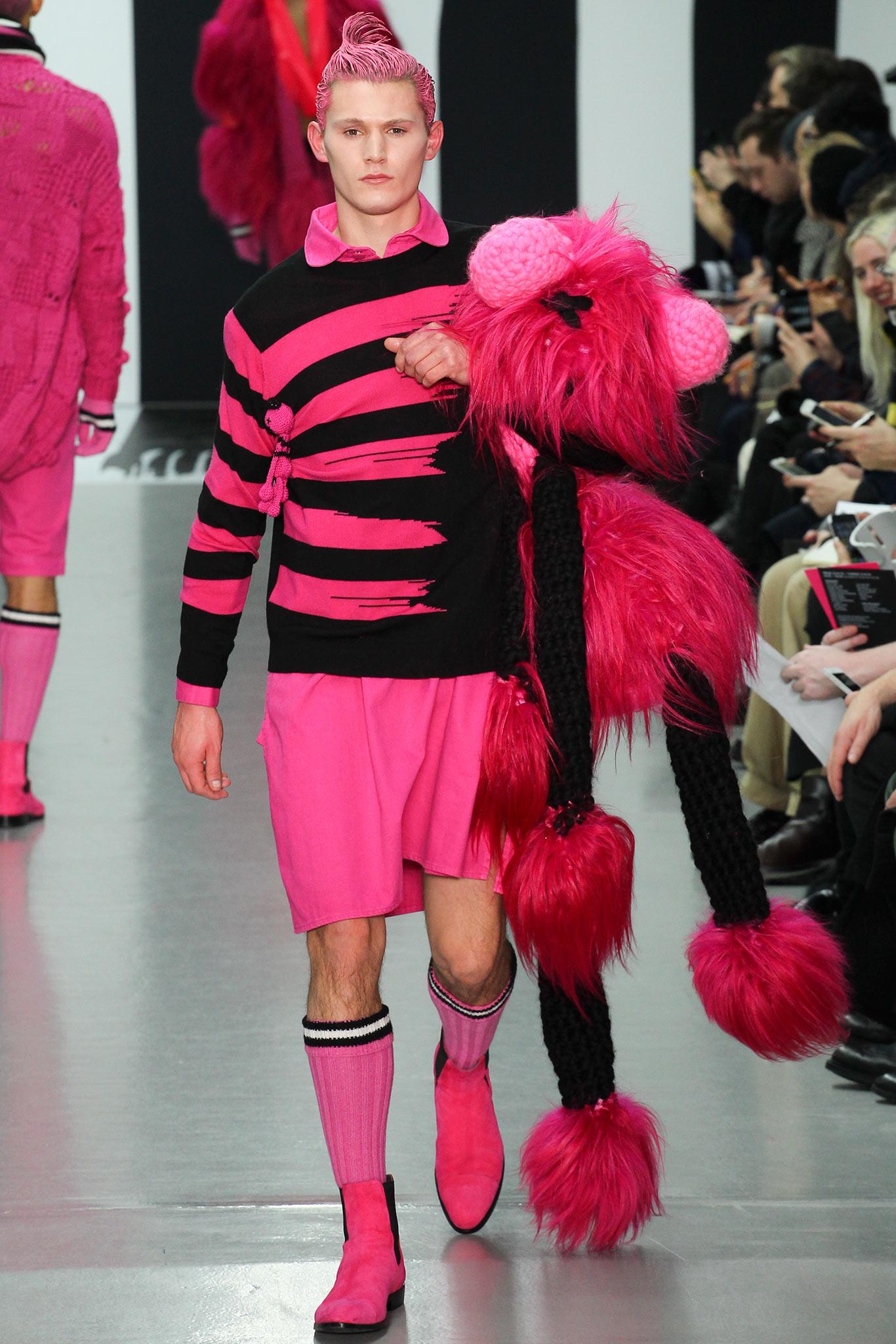 Sibling осень зима 20152016 2 Самые нелепые мужские образы с Недели моды в Лондоне