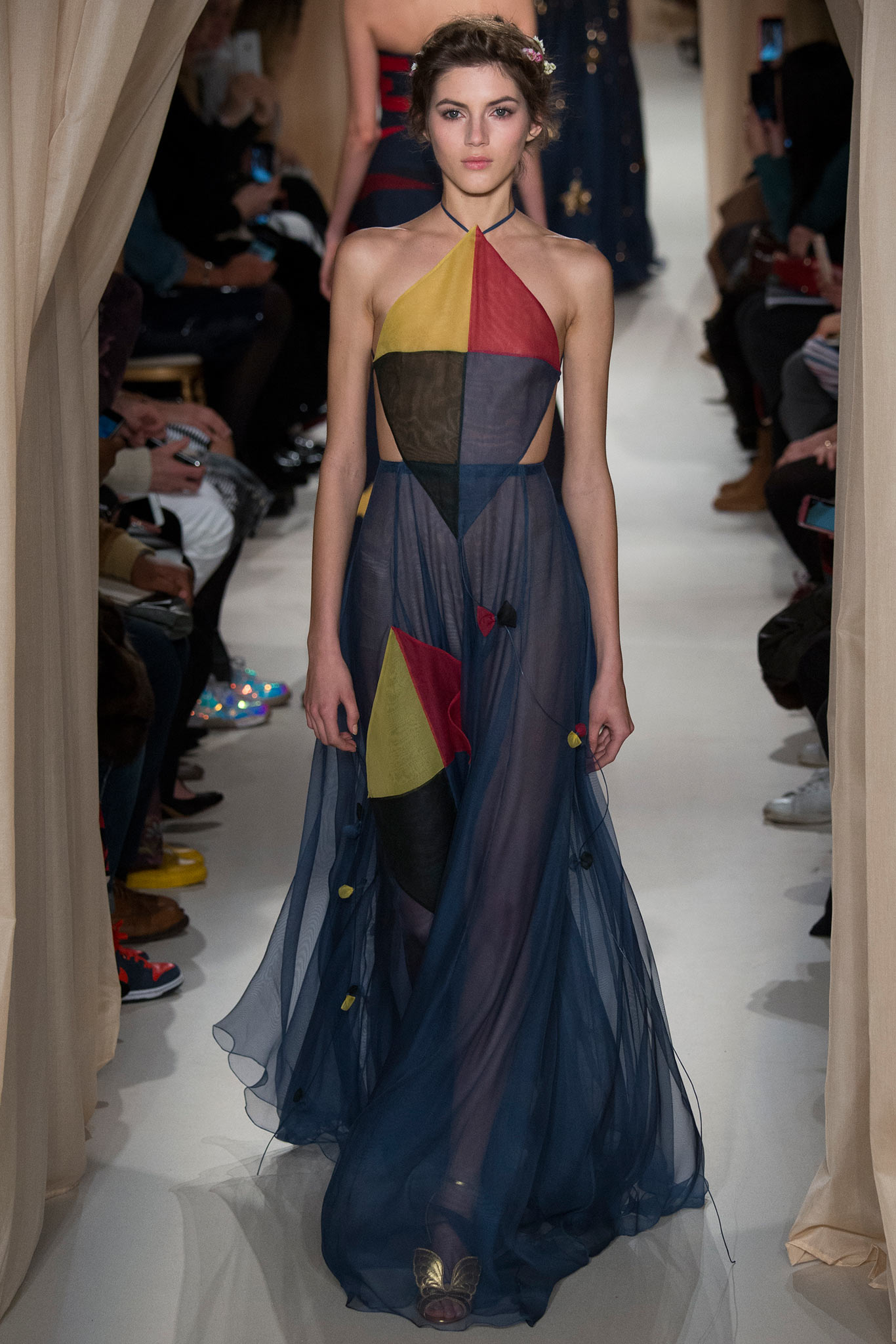 Valentino Haute Couture 2015 2 Самые носибельные образы с Недели моды haute couture в Париже