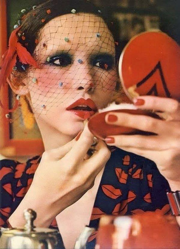 3. Публикация в Vogue 1971 года  Губы и искусство: <br/> как красная помада перевернула мир