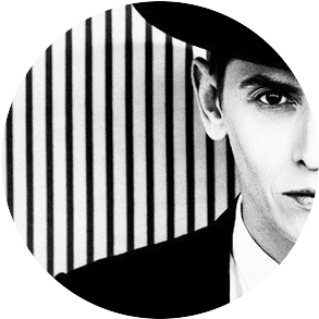 circle 2 Стилисты и дизайнеры комментируют образы с Недели высокой моды в Париже