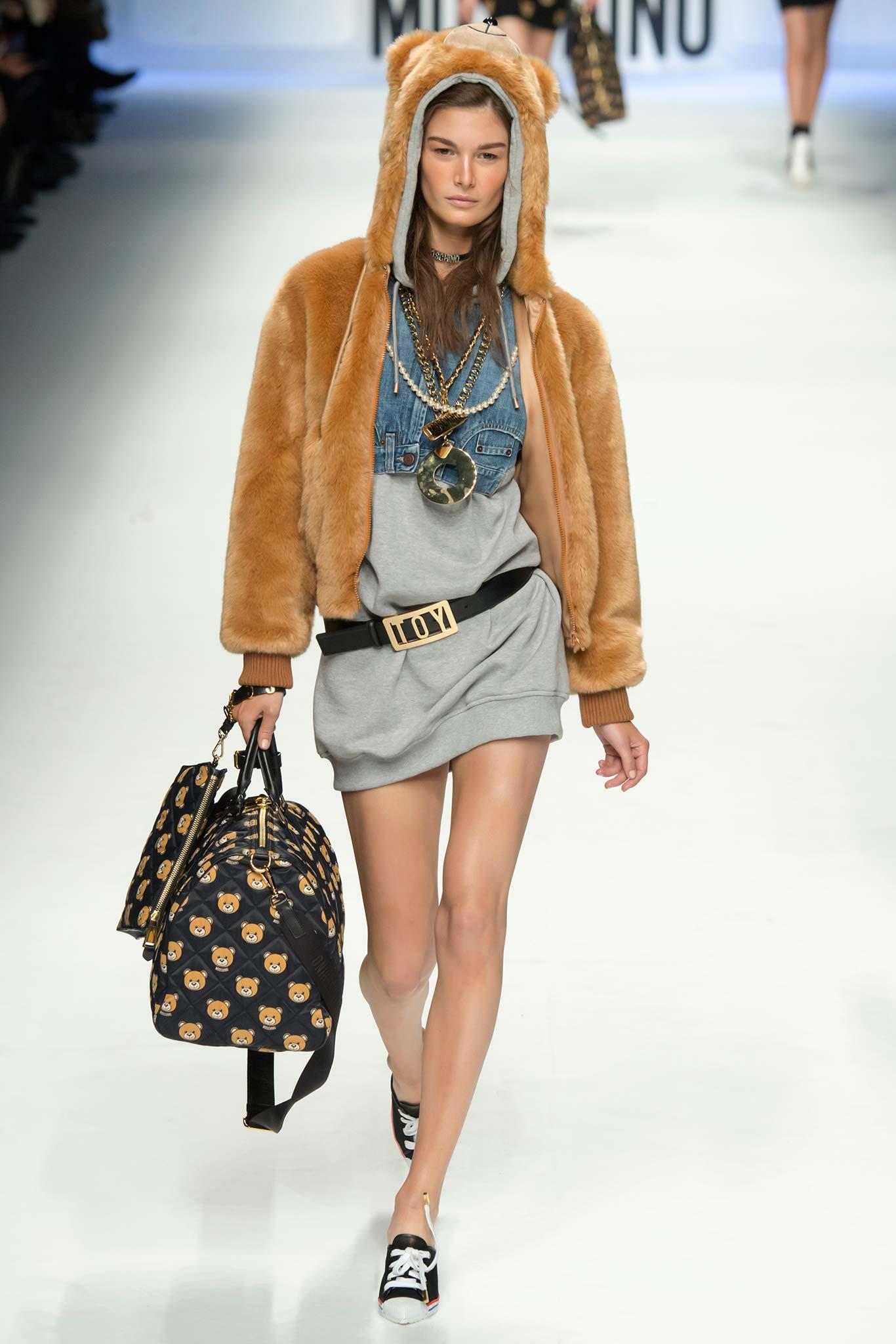 Moschino весна лето 2015 Неделя моды в Милане: 6 тенденций, которые точно приживутся в России