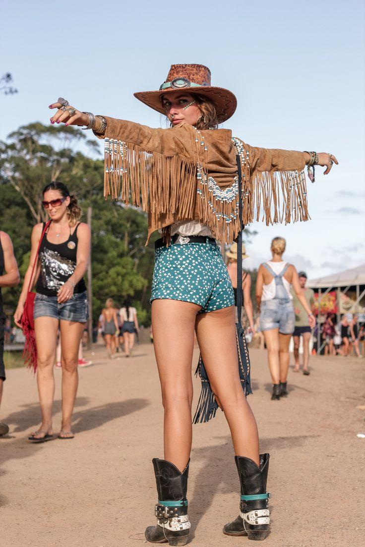 Образ а ля подружка ковбоя Coachella и RocknRoll: что надеть в теплые выходные, которые обязательно наступят