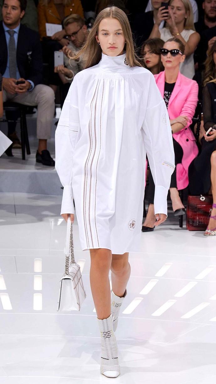 Christian Dior весна лето 2015 Белая рубашка: 5 новых причин отобрать ее у бойфренда