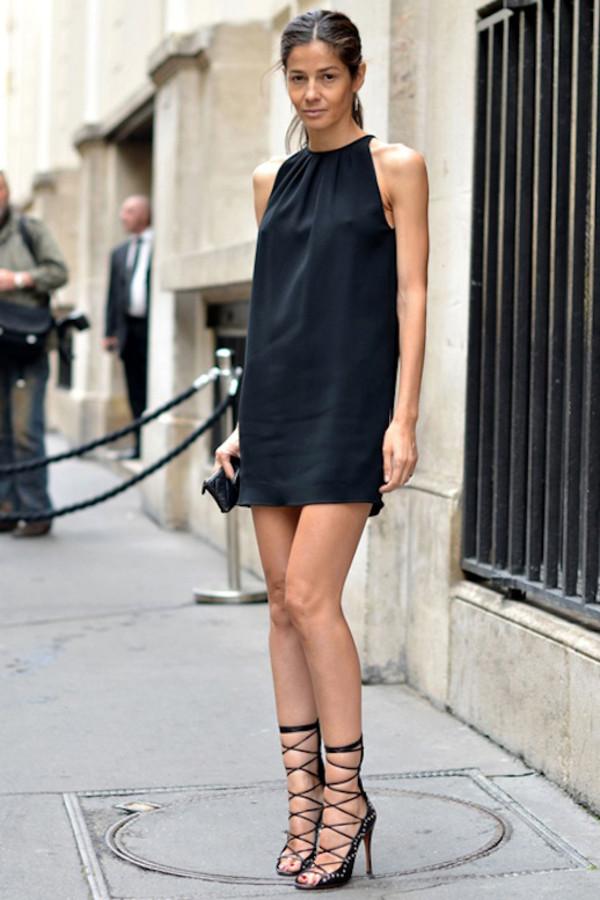 OUT: маленькое черное платье