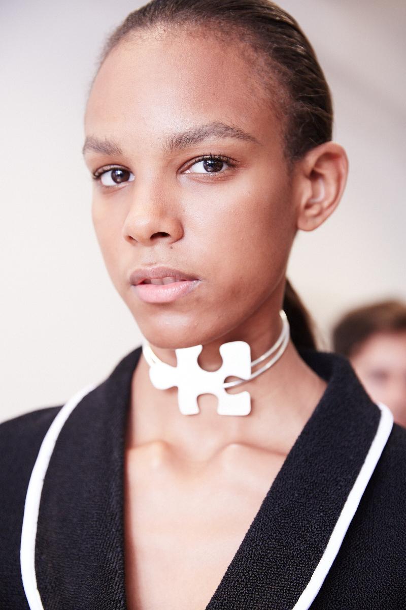 1.3 J.W. Anderson 2 Как носить массивные ожерелья