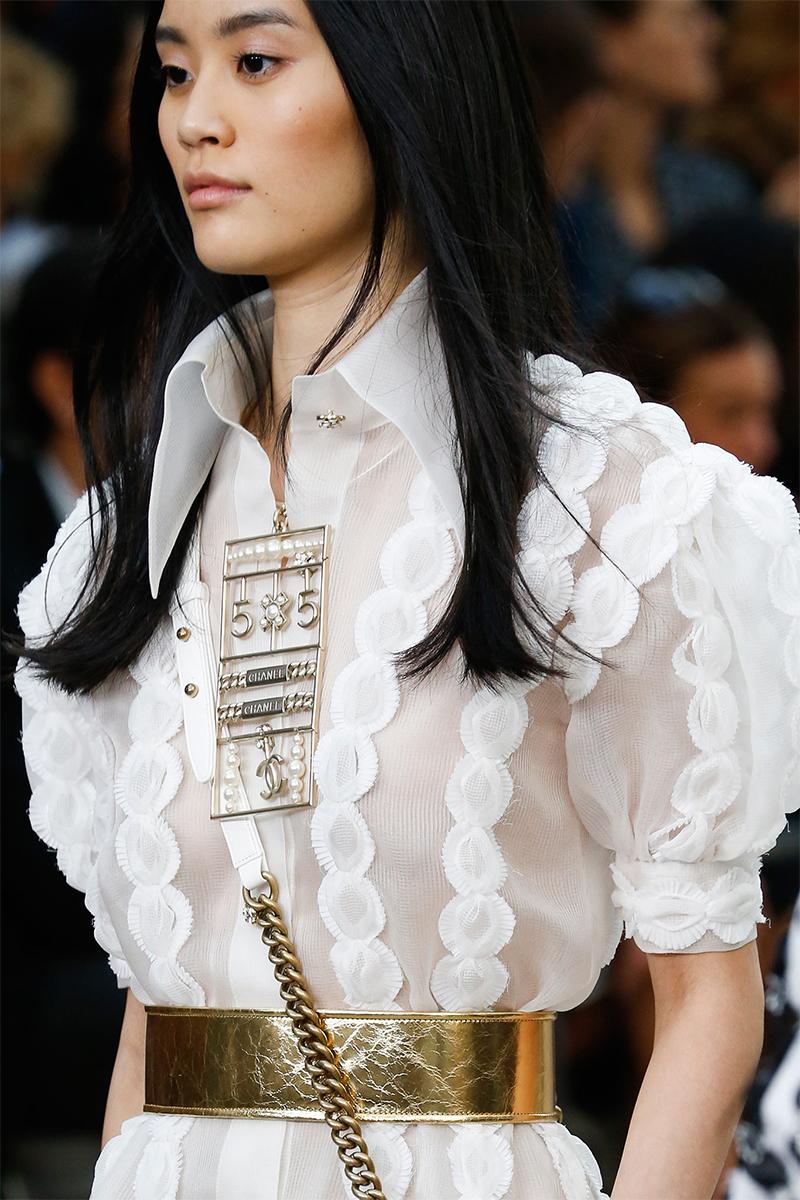 3.1 Chanel Как носить массивные ожерелья