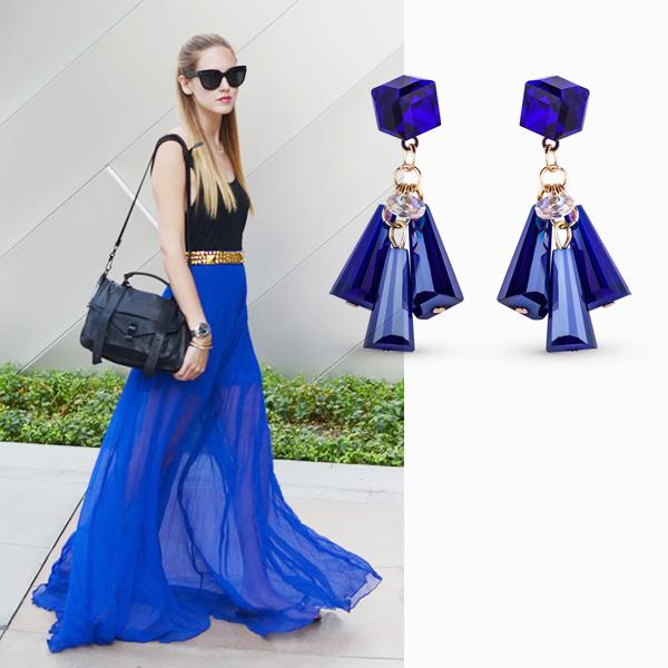 004 small5 Как носить синий, самый модный оттенок этого лета