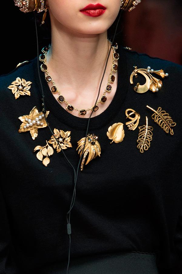1 Dolce Gabbana Fall 2015 Как носить брошь
