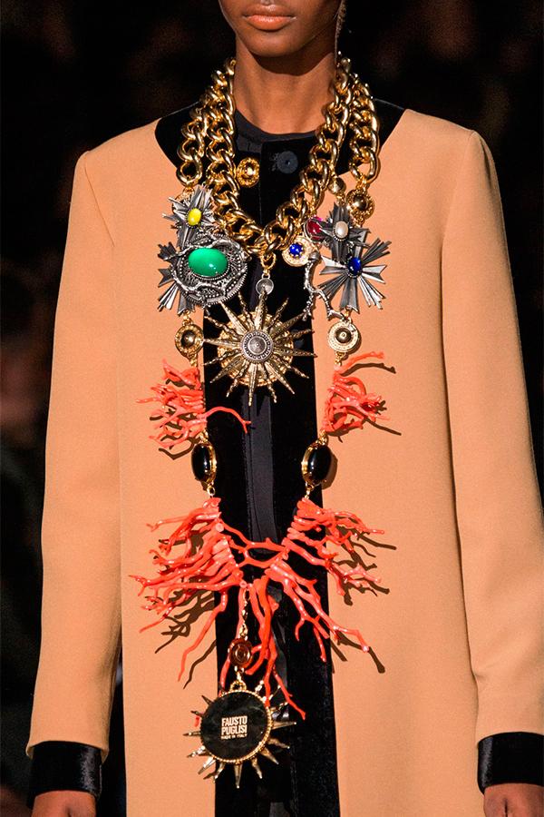 3 Fausto Puglisi fall 2015 Как носить брошь