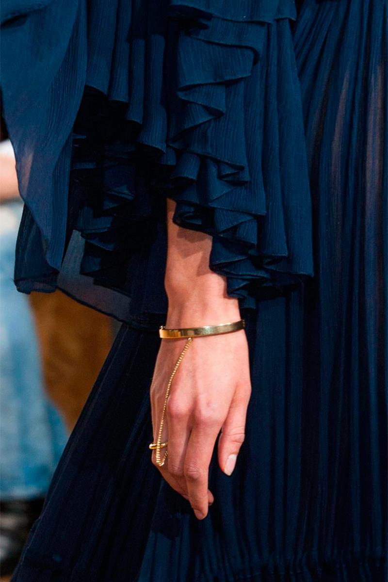 Slave Bracelet Chloé Spring 2015 Как носить слейв браслет