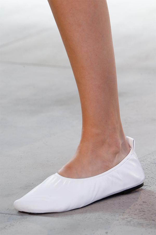 A2X0416 Реквием балеткам – что ждет любимую обувь в будущем?