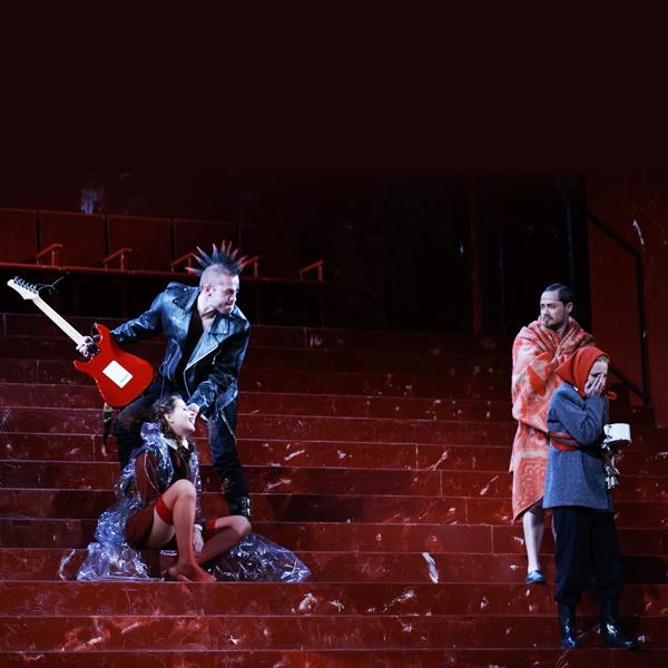 002 small7 Театральные постановки, которые нельзя пропустить в сентябре