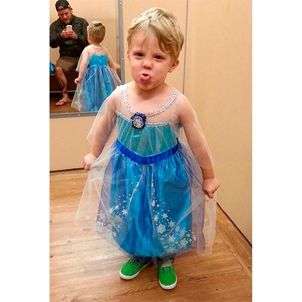1444490383 little boy princess elsa 2 Мужчины в платьях, женщины в галстуках – что происходит в мире моды?