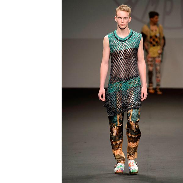 Vivienne Westwood Spring Summer 2016 Menswear Collection Milan Fashion Week 012 2 Мужчины в платьях, женщины в галстуках – что происходит в мире моды?