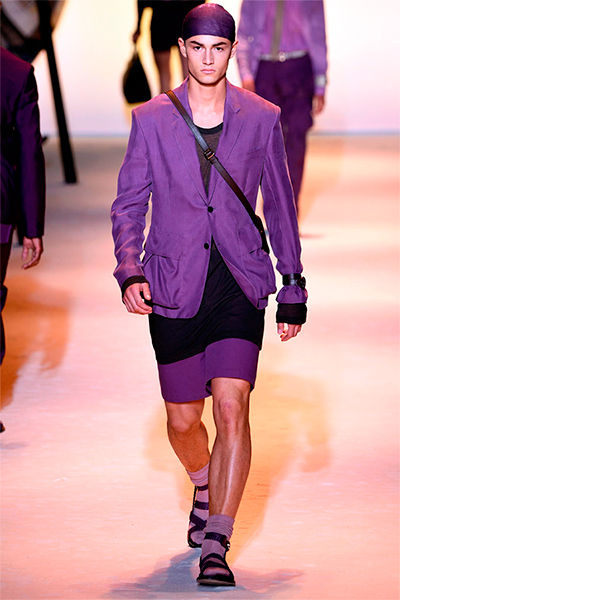 versace Мужчины в платьях, женщины в галстуках – что происходит в мире моды?