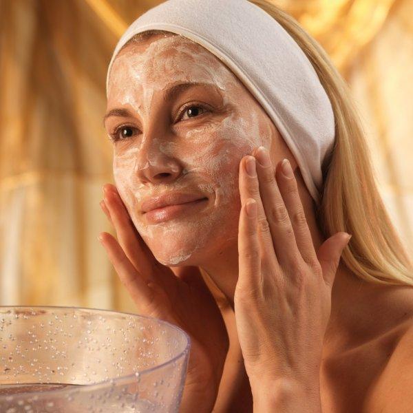 Очищение кожи лица от макияжа Абрикосовое масло для лица. 7 рецептов домашних масок