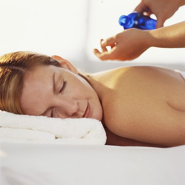 216 Применение эфирного масла нероли. Лечебные свойства и противопоказания.
