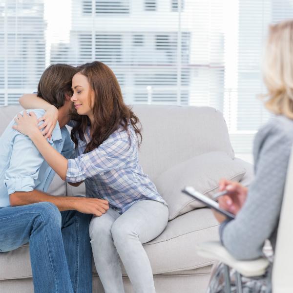 couples therapy Ссоры в семье. Как наладить отношения между мужем и женой?