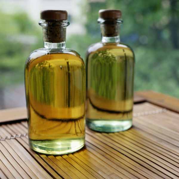 kam11 Репейное масло: применение для лица, ногтей, ресниц. 10 рецептов домашних масок