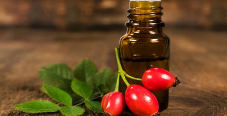 Масло шиповника для эффективного омоложения кожи лица
