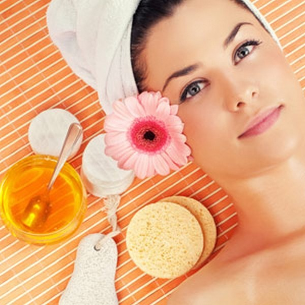 sweet almond oil 31 600x600 Миндальное масло: применение, отзывы