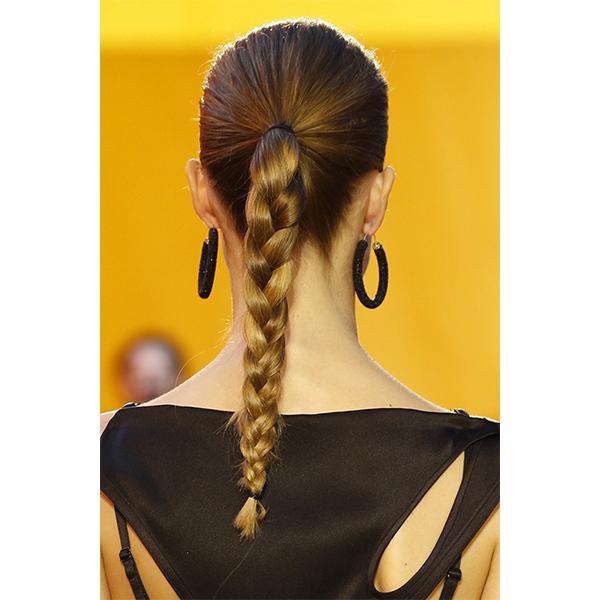 4 Céline 5 самых модных причесок весны 2016