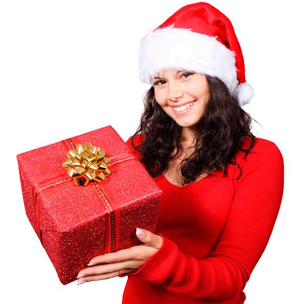 9132 a beautiful young woman with a christmas present pv Как помириться с парнем