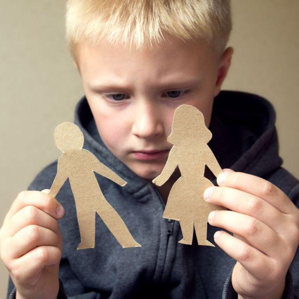 96 Как помочь ребенку пережить развод родителей?