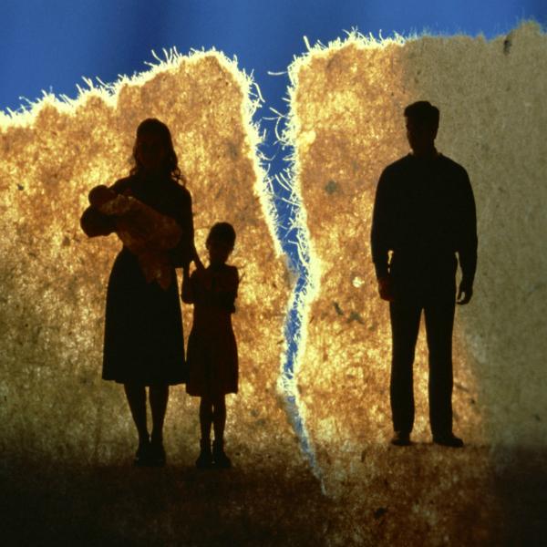 9af2576925c0d33f74df9bc621194045 Как родителям правильно воспитывать детей после развода?