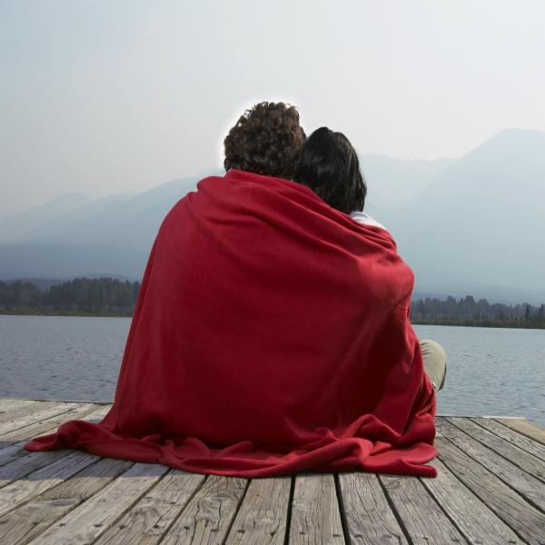 para pled obyatiya bereg romantika 25625 1920x1200 Как унять сильную душевную боль?
