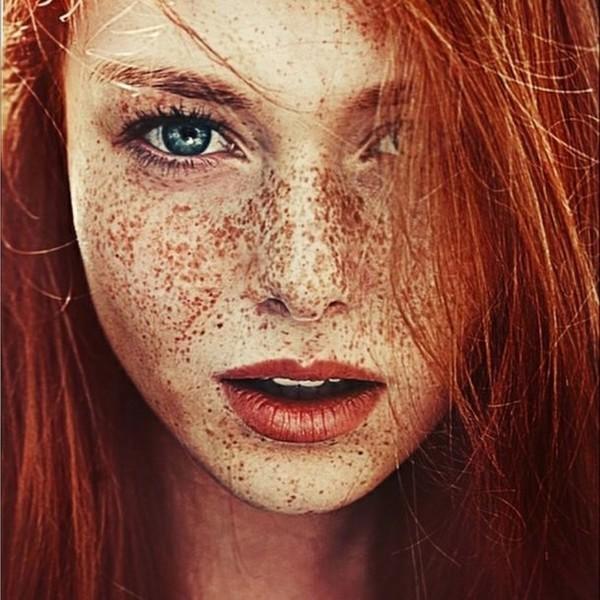 Какая помада подойдет девушкам с огненными и рыжими волосами?