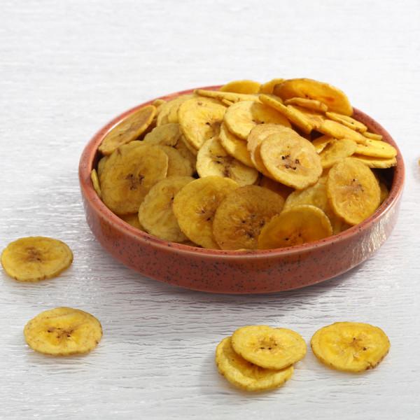 в 100 г банановых чипсов 520 ккал