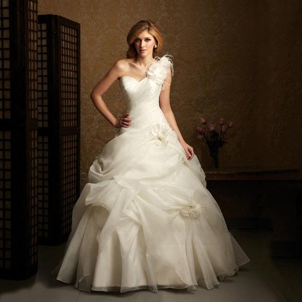 sunmag-12-1 Материалы и ткани для свадебного платья
