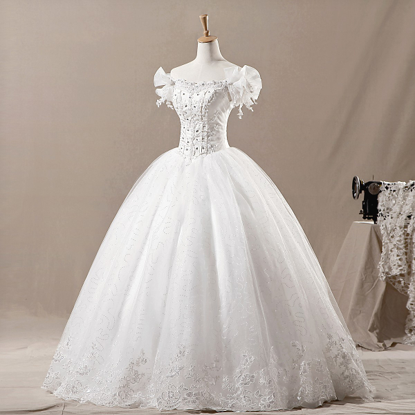 Фото классического бального свадебного платья