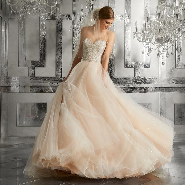 sunmag-pyshnoe-fatinovoe-plate-nevesty Материалы и ткани для свадебного платья