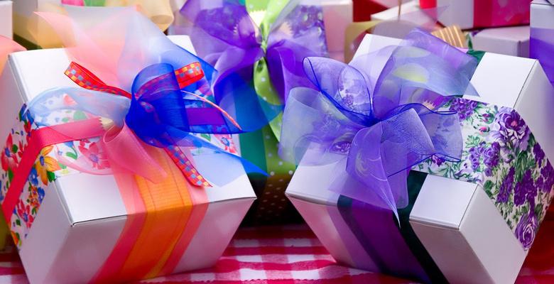 Что подарить сестре на 8 марта недорого