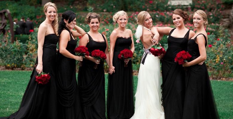 43835cfba40c6 Черное или белое платье на свадьбу для гостей — можно ли одевать?