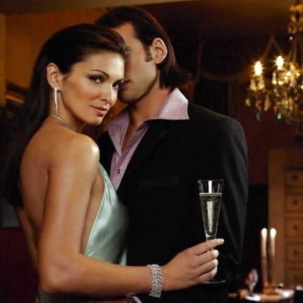 В краткосрочном союзе эту пару связывают страстные сексуальные отношения