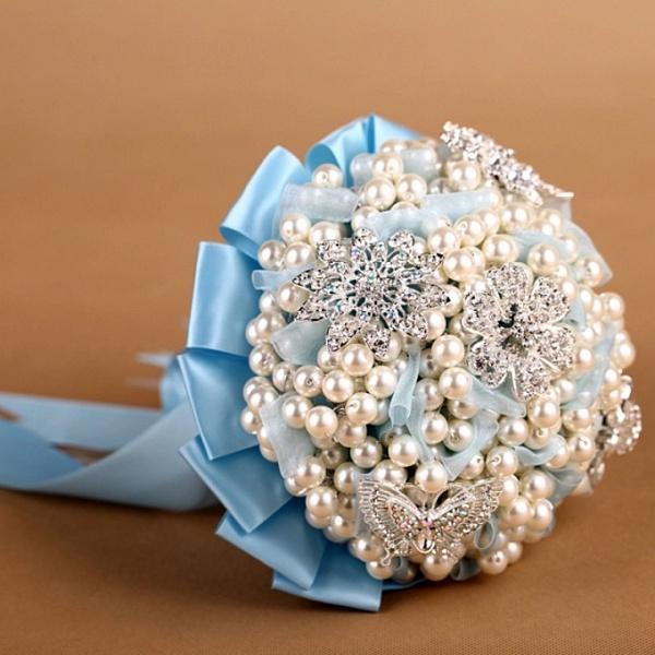 Букеты, какие цветы дарят на жемчужную свадьбу