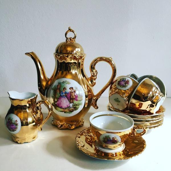 набор посуды в подарок на золотую годовщину свадьбы