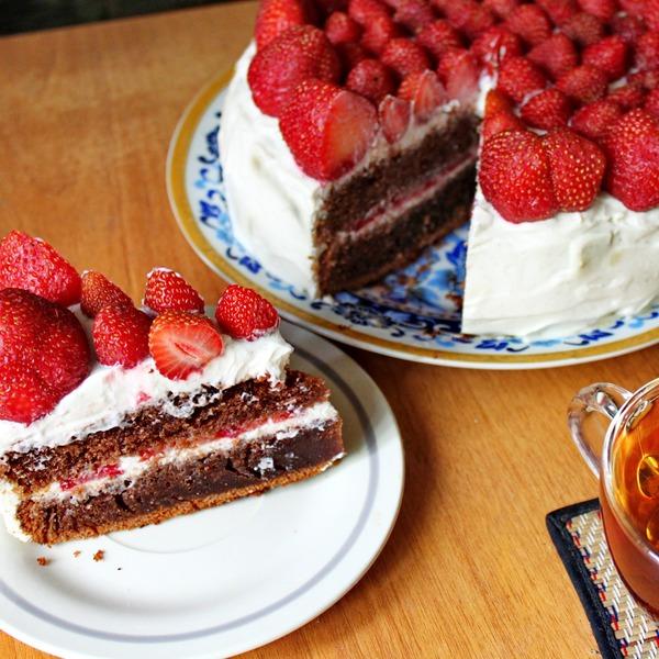 клубничный торт на каменную годовщину
