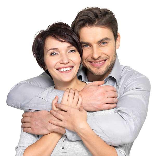 Молодая пара и мужчина